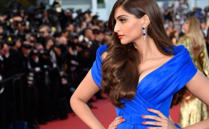 Sonam Kapoor Latest Fashion