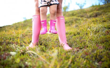Pink boots for berry picking