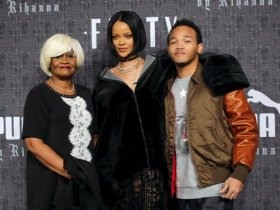 10-rihanna-family-reuters.jpg