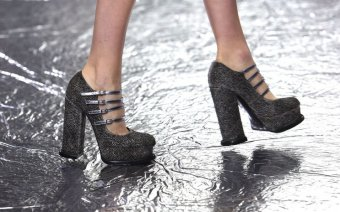 90s trend autumn 2016 mary katrantzou platforms