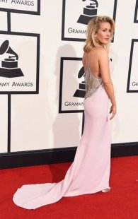ellie goulding green dress grammys 2016 runway