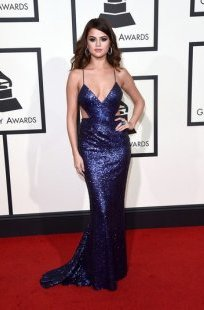 selena gomez blue sequin calvin klein dress grammys 2016